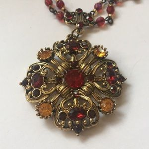 Romantic red jewel 💎 Avon fashion necklace